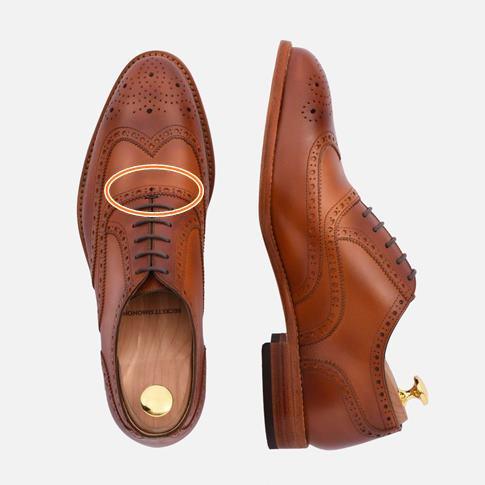 takım-elbise-altına-ayakkabı
