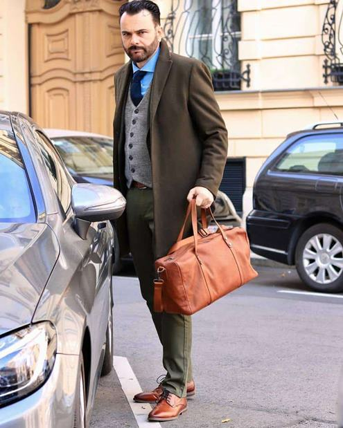 Erkekler-için-yeşil-pantolon-kombinleri