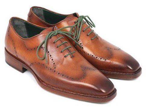 erkek-takım-elbise-altına-ayakkabılar